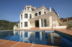 Beautiful villa with elevator first line golf,  La Quinta Marbella  1.700.000,– euro