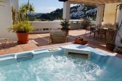 Hoek duplex penthouse La Quinta golf Marbella 200 bebouwd/200 terras 3 bed/3bad 795000 euro
